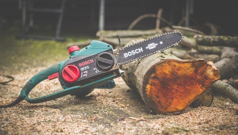 bosch chainsaw on a piece of wood