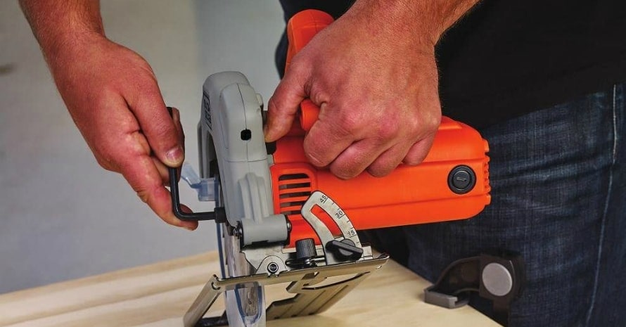 BLACKDECKER BDECS300C Circular Saw