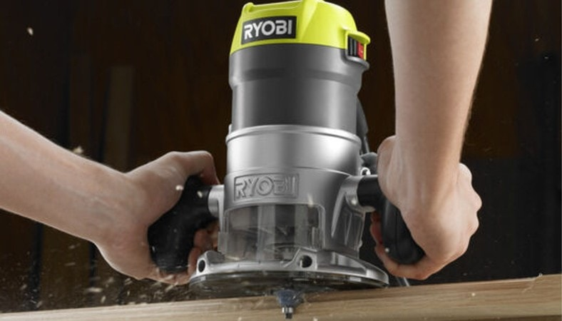 ryobi wood router at work