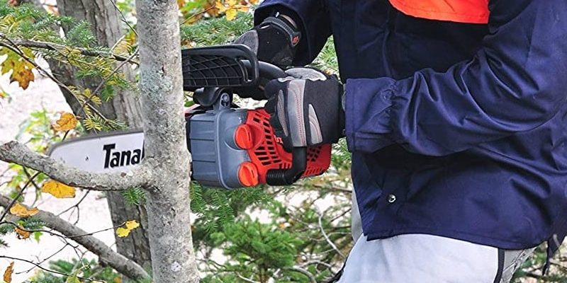 Best Small Gas Chainsaw for Gardening and Woodworking Enthusiasts