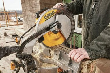 Best Sliding Miter Saw: The Ultimate Guide 2020