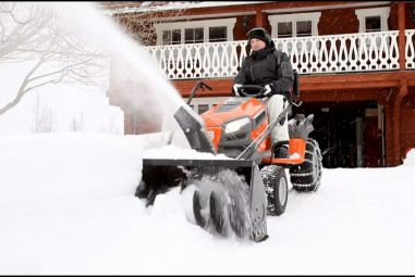 Best Lawn Tractor for Snow Removal: Clean Your Territory as Fast as Possible
